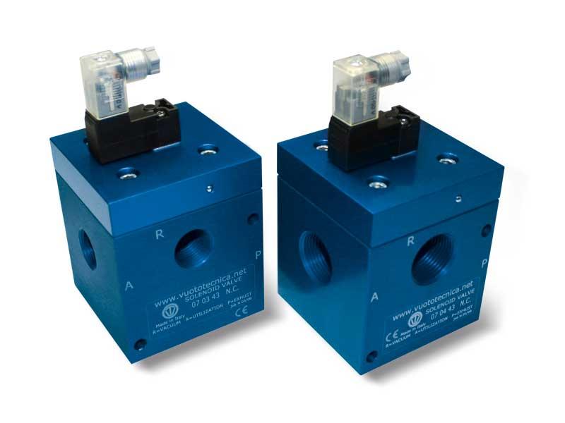 Électrovannes pour le vide à 3 voies, à commande directe, avec bobine èlectrique à basse absorption