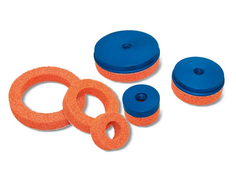 Ventouses rondes plates en caoutchouc mousse avec supports correspondants